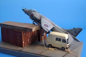 Los protagonistas de la historia: el avión, el furgón y el contenedor /taringa.net
