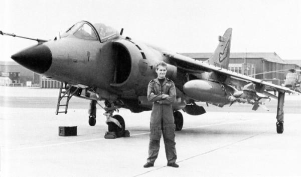 Watson y su Harrier de película /portierramaryaire.com
