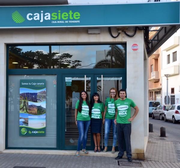 Cajasiete apoya a los bancos de alimentos en la vuelta for Oficinas cajasiete