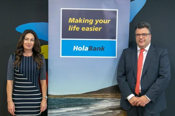 Los representantes de CaixaBank, en la puesta en escena de la nueva marca.