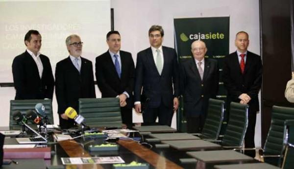 Gran xito de los premios talento y compromiso cajasiete for Cajasiete oficinas