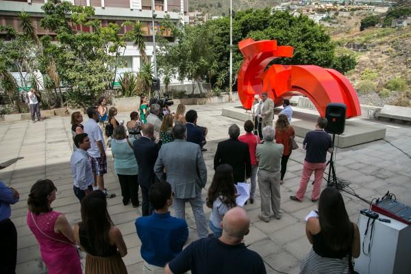 La fundaci n cajacanarias restaura la c lebre escultura de - Colegio arquitectos canarias ...