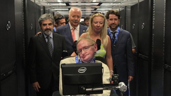 Stephen Hawking, durante sus visita al superordenador y las distintas instalaciones del ITER en Granadilla.
